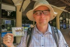 ... dann Besucherausweis mit Bild erhalten ...