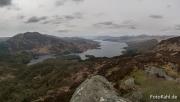 ... zur Aussicht auf de Loch Katrine.