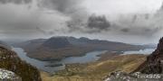 Blick auf den Loch Lurgainn links und dem Loch Bad a' Ghaill
