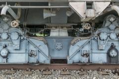 F60 - In Spur gehalten